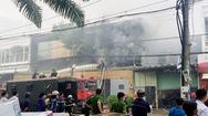 Cháy lớn công ty trang trí ô tô, nhiều nhà dân bị ảnh hưởng