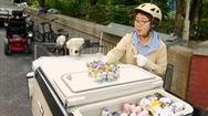 Đội quân chuyên giao sữa chua cho người già ở Hàn Quốc