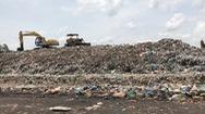Công nhân nhà máy xử lý rác đình công vì bị nợ lương triền miên