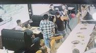 """Điều tra vụ việc nhóm """"xăm trổ"""" hành hung chủ quán, đe doạ nhân viên nhà hàng"""