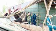 Giông lốc sấm sét làm 1 người chết và hơn 100 căn nhà tốc mái ở Đồng Tháp