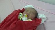 Bé gái sơ sinh bị bỏ rơi ở công viên tại Đắk Nông