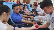 Gần 2.000 bạn trẻ xứ Nghệ hiến máu ngày hội hành trình đỏ