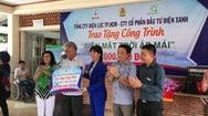 Điện lực TP.HCM cùng nghệ sĩ Kim Cương trao công trình điện mặt trời cho trường khuyết tật