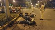 Thiếu niên chạy xe máy vào làn ô tô tông một nữ công nhân làm 3 người nhập viện