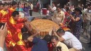 Xác lập kỷ lục cặp bánh trung thu 300 kg, nặng nhất Việt Nam
