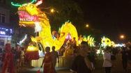 Hàng vạn người chen chân xem Lễ hội Thành Tuyên