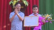 Khen thưởng học sinh lớp 7 nhặt được hơn 70 triệu đồng trả lại người đánh mất