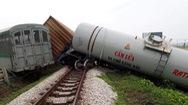 Góc nhìn trưa nay | Tàu hàng đâm xe tải, đường sắt Bắc-Nam tê liệt