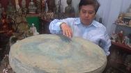 Người chuyên sưu tập đồ cổ để… tặng bảo tàng