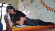 Cậu bé liệt tứ chi và khát khao đến trường