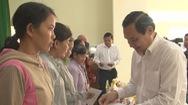 EVNSPC tặng hàng ngàn phần quà cho các hộ nghèo, học sinh khó khăn