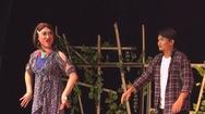 Sân khấu nhỏ 5B táo bạo thể nghiệm yếu tố đồng tính trong kịch Tết