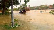 Góc nhìn trưa nay | Các tỉnh miền Trung oằn mình chống bão lũ