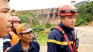 Video: Căng sức tìm công nhân bị mất tích ở thủy điện Rào Trăng 3