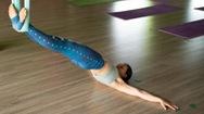 Bài tập cho vòng eo thon gọn, săn chắc với yoga bay