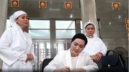 Video: Diễn viên Việt Trinh, Giáng My đến viếng NSND Lý Huỳnh