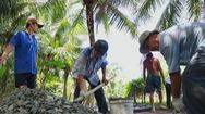Góc nhìn trưa nay | Đội xích lô Sài Gòn bỏ phố về quê giúp bà con làm đường bê tông