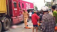 Video: Người phụ nữ bị xe container cán tử vong, kẹt xe kéo dài ở Đồng Nai
