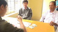 Video: Nhân viên quét dọn lò hỏa táng ở Sa Đéc trả lại 2,7 lượng vàng cho người đánh rơi