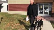 Video: Ông Biden bị trật mắt cá chân