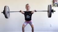 Video: Bé gái 7 tuổi nâng tạ 80kg, trở thành nhà vô địch trẻ nhất lịch sử cử tạ