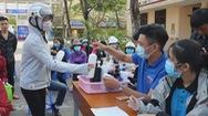 Góc nhìn trưa nay | Thầy trò làm nước rửa tay khô tặng miễn phí cho người dân