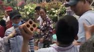 Video: Nhóm cướp giật táo tợn đánh du khách giải vây đồng bọn