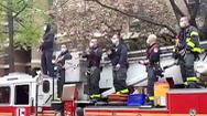 Video: Lính cứu hỏa chơi nhạc để cổ vũ tinh thần các nhân viên y tế