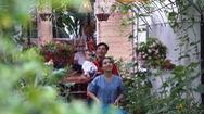 Góc nhìn trưa nay | Hai vợ chồng cải tạo bãi rác thành vườn rau sạch
