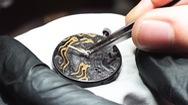 Góc nhìn trưa nay   Độc đáo nghề chạm khắc đồng hồ tinh xảo