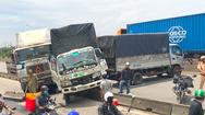 Video: Tai nạn liên hoàn giữa 3 xe tải và container khiến giao thông ùn tắc nghiêm trọng