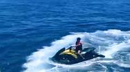 Video: Con trai Ronaldo có thể bị xử phạt vì tự lái motor nước