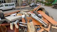 Video: Đường Đồng Cổ ở Tây Hồ nhếch nhác, ngập ngụa trong rác thải