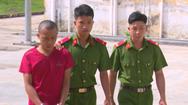 Video: Bắt đối tượng đục tường trộm hơn 10 lượng vàng