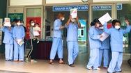 Video: 10 bệnh nhân COVID-19 ở Đà Nẵng được xuất viện