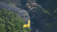Video: Ba người chết sau khi tàu hỏa trật bánh
