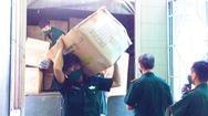 Video: Bộ Quốc phòng bàn giao 50 tấn trang thiết bị y tế hỗ trợ các vùng dịch