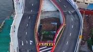 Video: Ngôi nhà nằm giữa cây cầu mới khánh thành vì gia chủ không chịu di dời