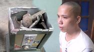 Video: Bắt đối tượng thường xuyên đột nhập vào đền, chùa trộm tiền công đức