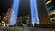 Video: Bầu trời New York rực sáng ánh đèn tưởng niệm sự kiện 11-9
