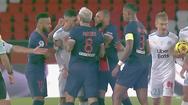 Video: Sau pha đánh nguội, Neymar đứng trước nguy cơ bị cấm thi đấu 7 trận