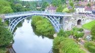Video: Độc đáo cây cầu sắt 400 tấn ở Anh