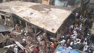 Video: Đập bêtông giải cứu nạn nhân trong vụ sập chung cư, đã có ít nhất 10 người chết