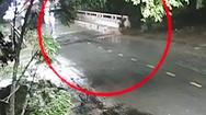 Video: Nam thanh niên phóng xe bạt mạng đâm vào thành cầu tử vong