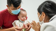 Video: Hai bé Trúc Nhi - Diệu Nhi được về nhà đón Tết Trung thu trong thời gian chờ phẫu thuật