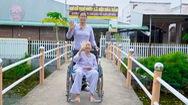 Cuộc thi Lan tỏa năng lượng tích cực: Người phụ nữ hơn 15 năm cưu mang những cụ già neo đơn