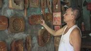 Góc nhìn trưa nay | Người hơn 40 năm giữ nghề làm khuôn bánh trung thu ở phố cổ