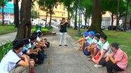 Góc nhìn trưa nay | Chàng giáo viên câm điếc dạy thủ ngữ miễn phí cho mọi người tại TP.HCM