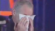 Video: Khoảnh khắc xúc động, HLV Riedl bật khóc khi gặp lại người hâm mộ Việt Nam hiến tặng thận